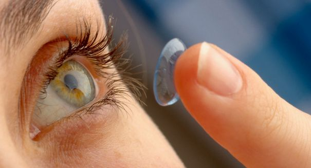 Here's why you should never, ever leave your contact lenses in at night