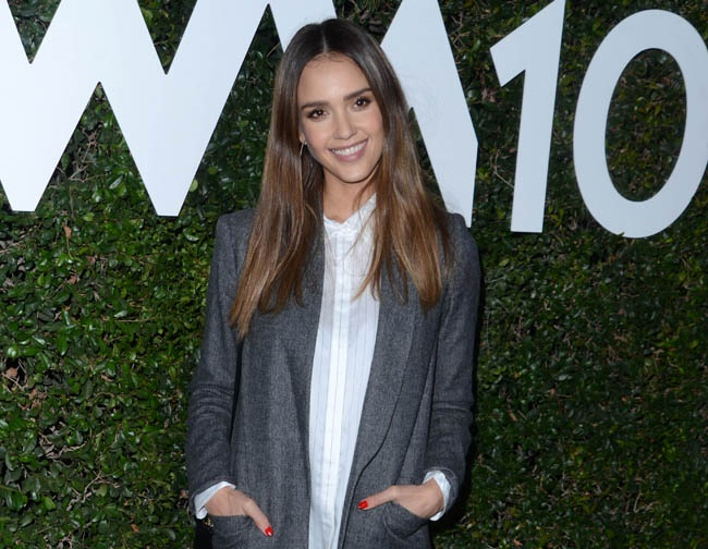 Jessica Alba urges everyone to set and reach new goals