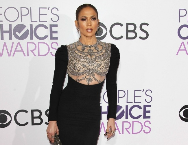 Jennifer Lopez is really falling for Drake