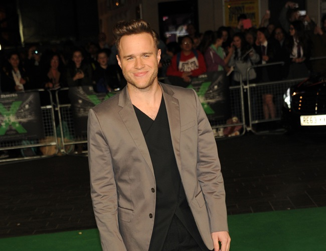 Olly Murs might turn to Tinder for dates