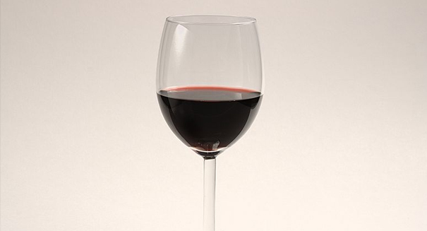 Sour grapes: New study links alcohol consumption to breast cancer