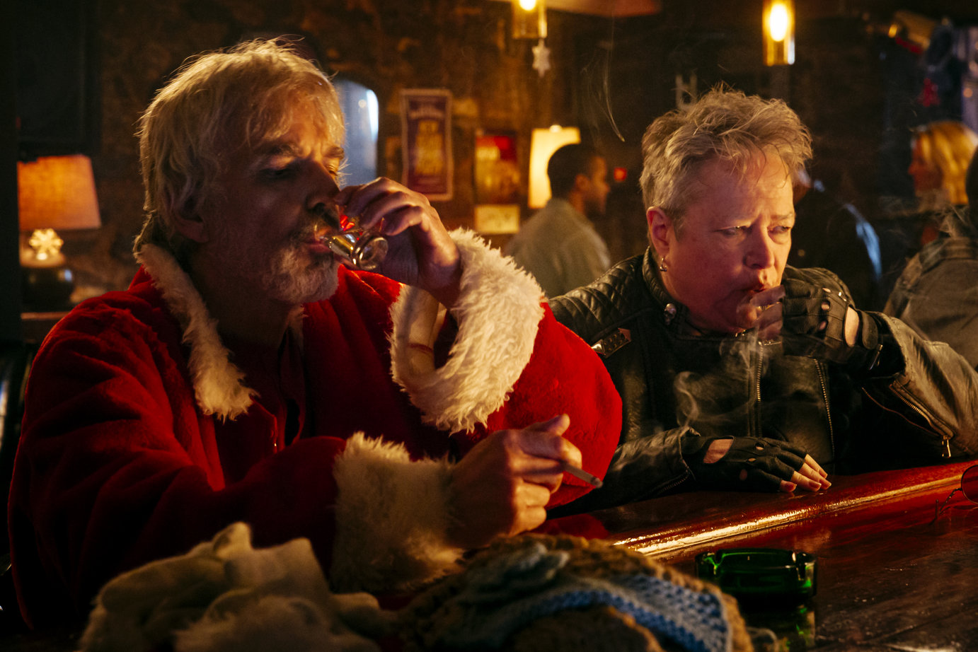 Kathy Bates, Billy Bob Thornton and Mark Waters get mean again in 'Bad Santa 2'