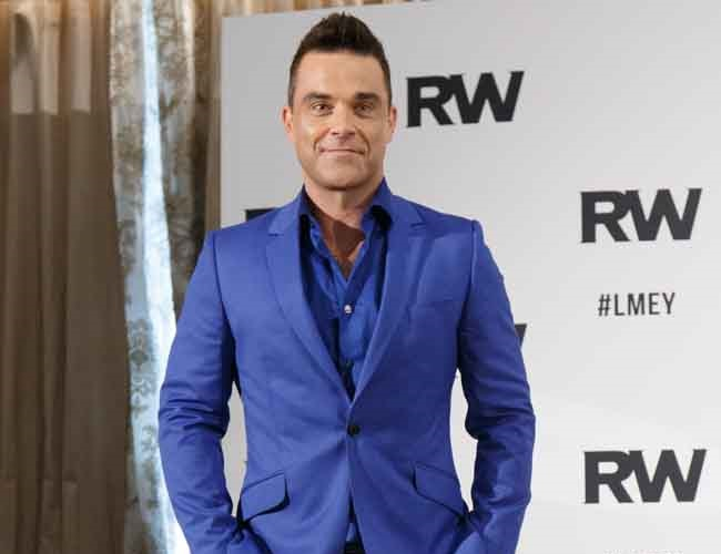 Robbie Williams gets Botox following fan feedback