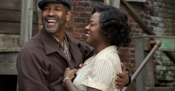 Denzel Washington returns to his theatre roots in 'Fences'