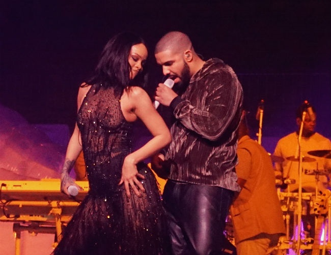 Drake professed his love for Rihanna during VMAs
