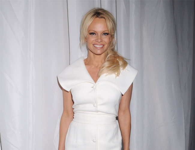 Pamela Anderson wants to move overseas