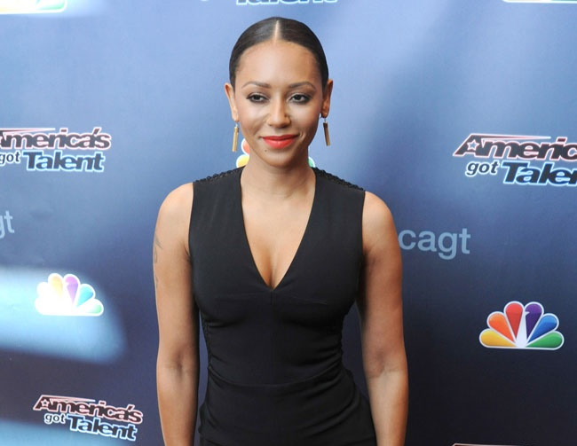 Mel B criticizes Mariah Carey's singing