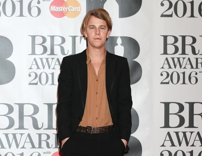 Tom Odell opens up about rough start in the music industry