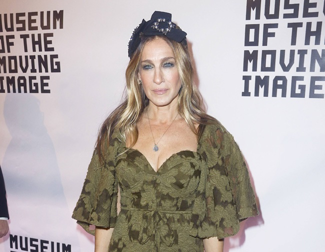 Sarah Jessica Parker discusses Tinder and marriage success
