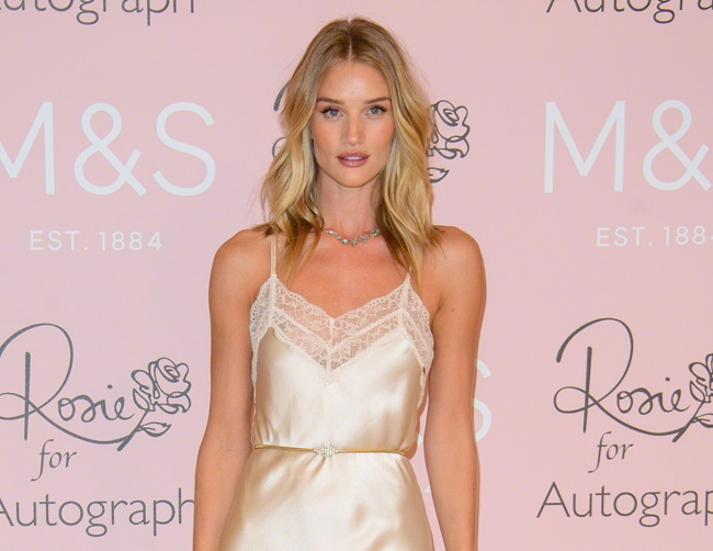 Rosie Huntington-Whiteley lost her eyelashes while filming 'Mad Max'