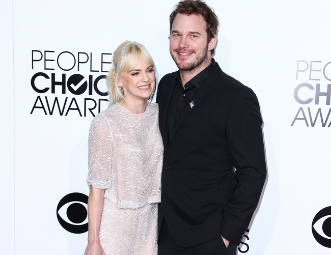 Chris Pratt enjoys braiding wife's hair