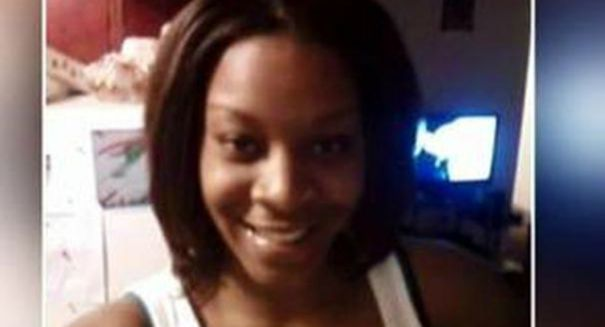 Hundreds flood Sandra Bland's funeral as anger builds