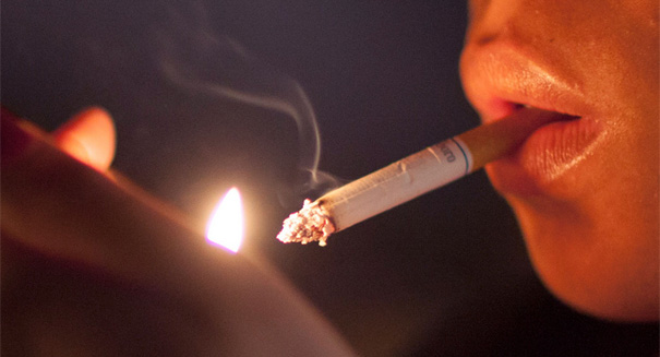 Moms who smoke: Very bad news for you