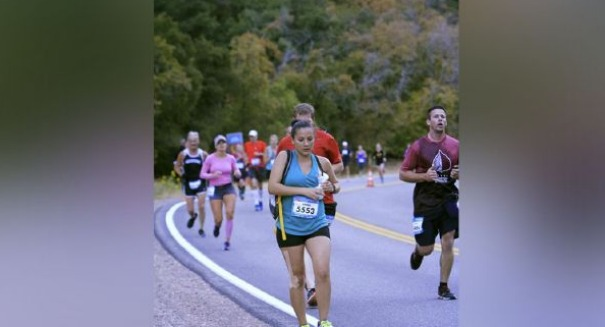 Incredible: Mom pumps breast milk during half-marathon
