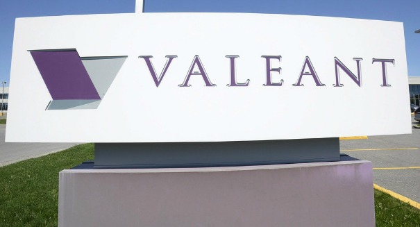 Jumping ship: Things are getting ugly at big drug company Valeant as Ackman's hedge fund sells shares